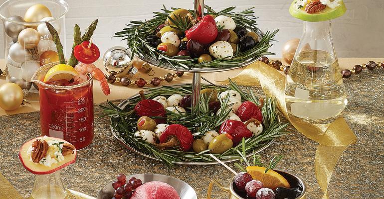 metallic buffet foodservice items