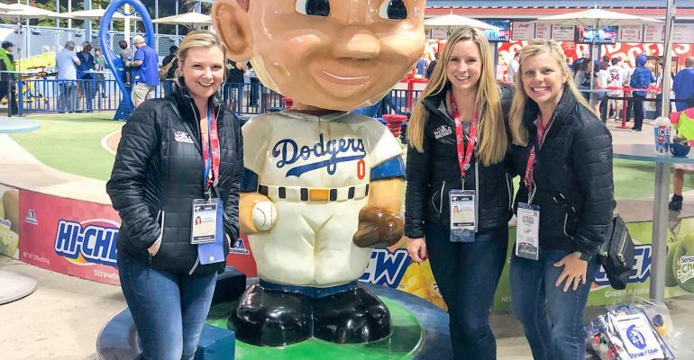 DMC_2019_01_Dallas_Fan_Fares_2018 World Series.jpg