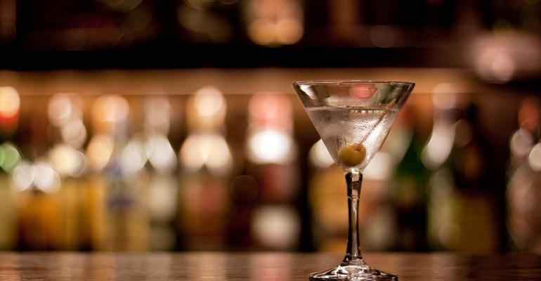 Martini_on_Bar_2019.jpg