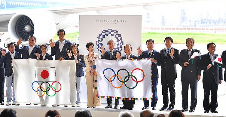 Olympic_Flag_Arrives_Tokyo.jpg