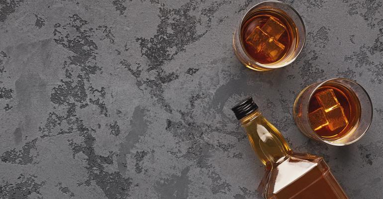 Whisky_Glasses_Bottle_2019.jpg