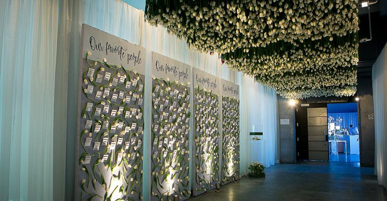 tulipfilled entryway