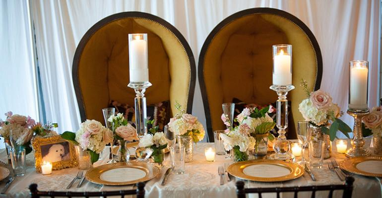 Sweetheart chairs for bridal couples