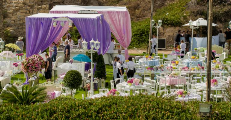Alice at the Beach: KBY Designs Creates a 'Wonderland' Party at the Shore