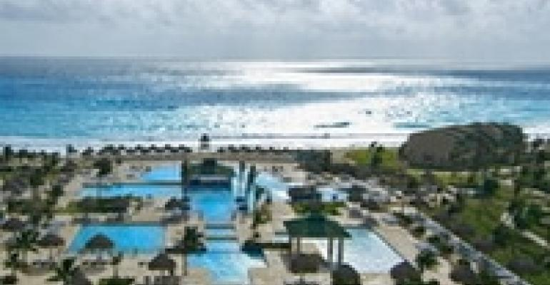 Hilton Cancun Debuts New Ballroom