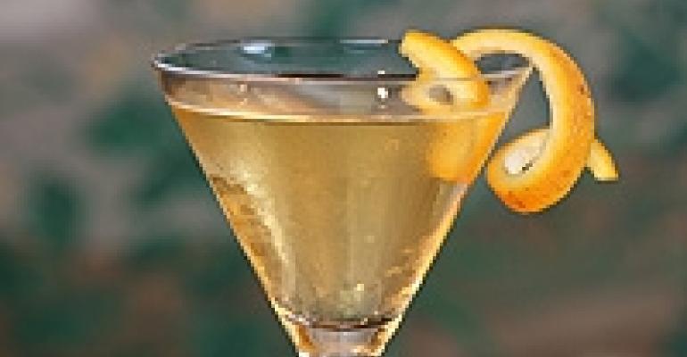 Vintage Cocktail Trend Brightens Bar Scene at Events