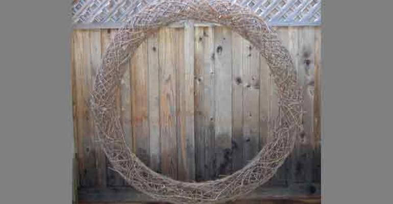 Readytodecorate grapevine wreath from Brena