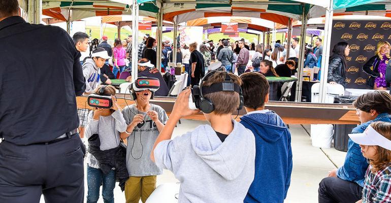 Virtual reality station