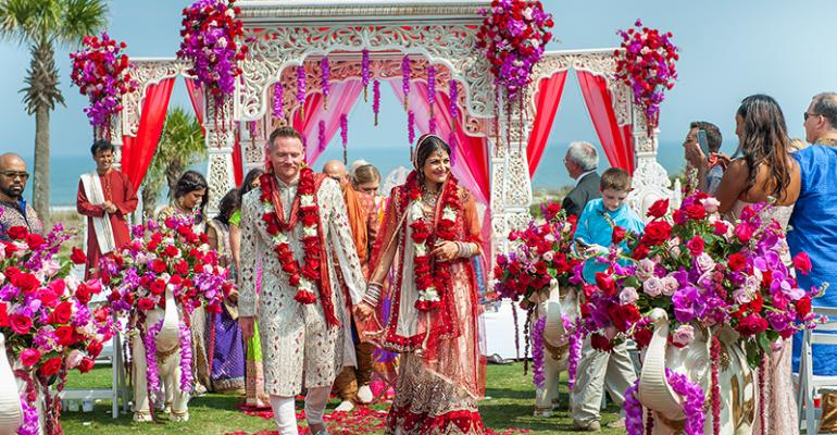 Beautiful desi weddings from the files of maharani weddings dazzling desi weddings photos from the files of maharani weddings junglespirit Images