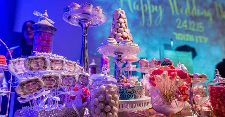 Flower Market Wedding: KBY Designs Creates a Flower-filled Winter Wonderland