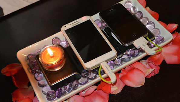Cordless mobile phone charging stations